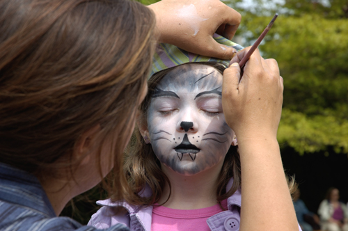 Honeysuckle cottage b b cottage retreat on salt spring for Face painting rates